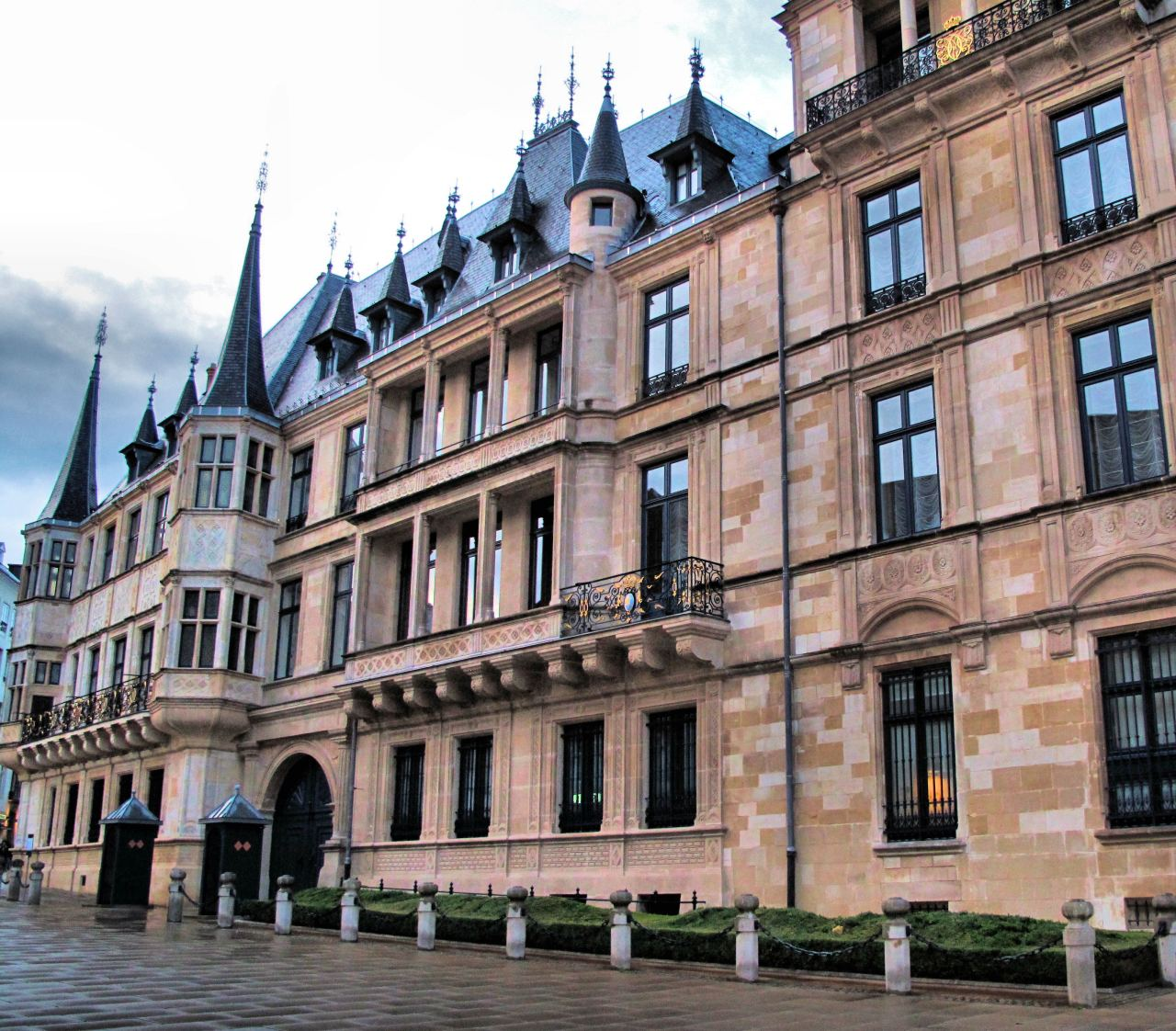 Luxembourg City Tour: Where To Stay In Luxembourg? Best Areas, Places, Etc